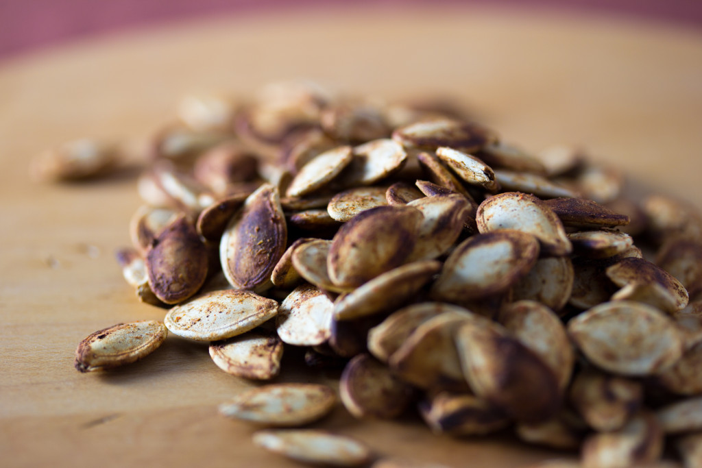 Roasted_Spiced_Pumpkin_Seeds_(6392360645)